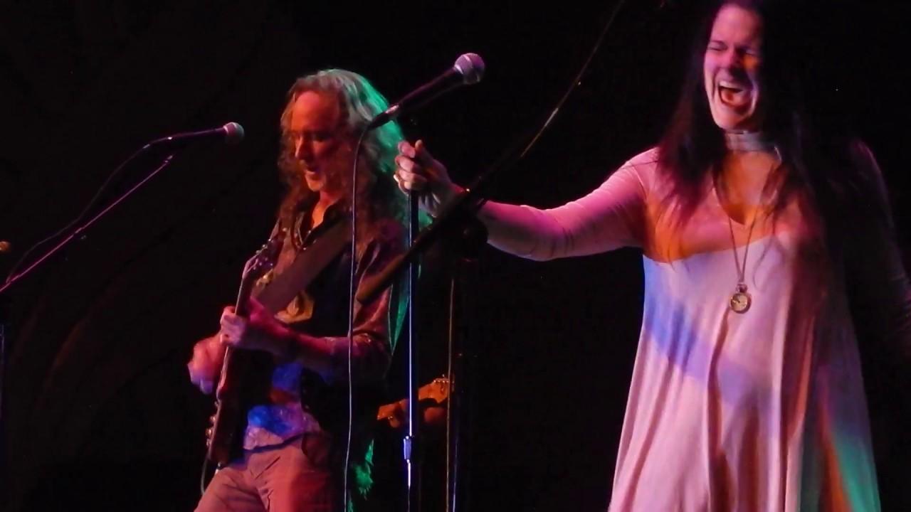 Empress Theatre Vallejo CA, 6.9.17 | Video: Steve Keyser